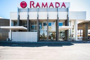 雪梨華卡布拉馬塔華美達套房飯店 Ramada Hotel & Suites Sydney Cabramatta