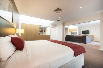 Hotel - Ramada Hotel & Suites Sydney Cabramatta