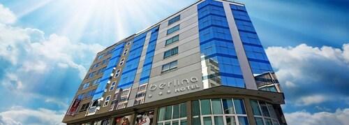 Hotel Berlina, Pedro Domingo Murillo