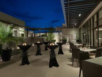 Seda Centrio Cagayan de Oro Outdoor Dining