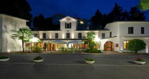Hotel la Grotta, Mantua
