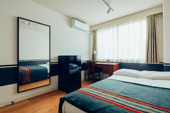 [Private Bathroom] Small Double Room (120cm bed)