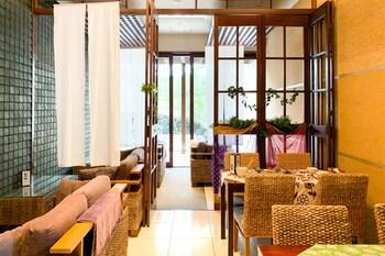 OYO 43999 HOTEL ALLAMANDA Dining