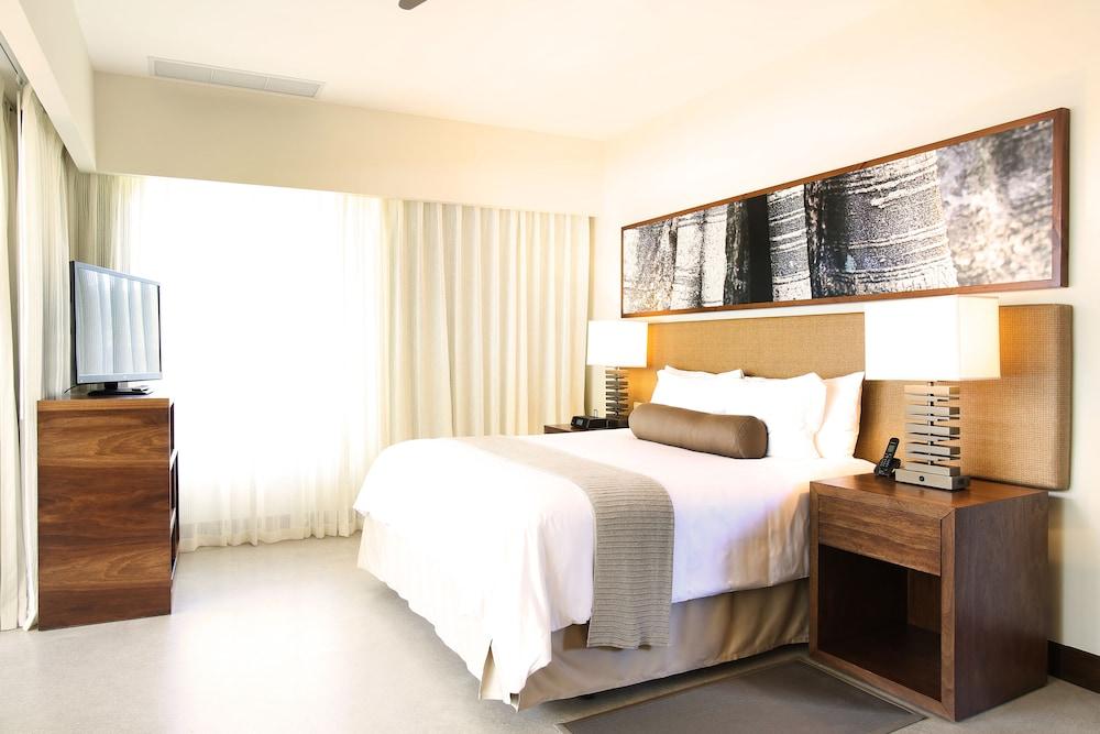 https://i.travelapi.com/hotels/7000000/6060000/6052400/6052327/be55aedc_z.jpg