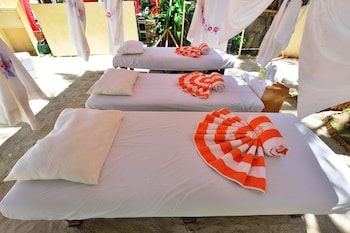 Ambassador In Paradise Resort Boracay Massage