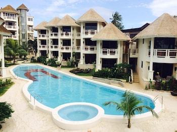 Ambassador In Paradise Resort Boracay Pool