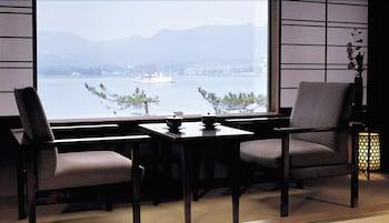 HOTEL MIYARIKYU Dining