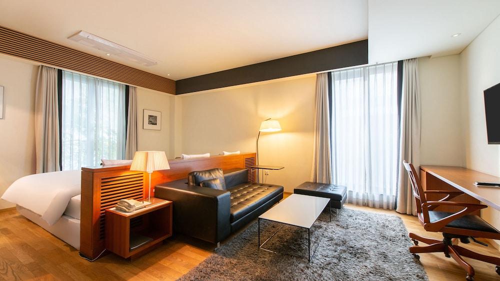 フローラル ホテル シンシン ソウル ミョンドン