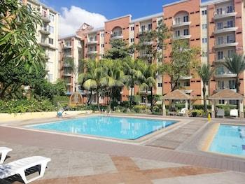 Chateau Elysee - Seine Cluster Manila Outdoor Pool
