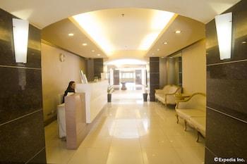 Chateau Elysee - Seine Cluster Manila Lobby