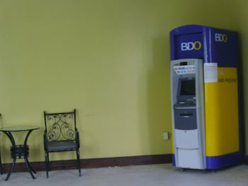 Chateau Elysee - Seine Cluster Manila ATM/Banking On site