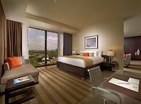 Hotel room image 200310136