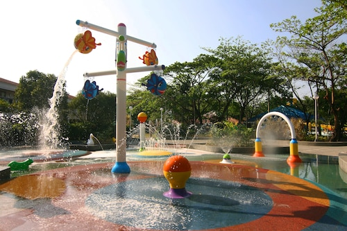 Island Cove Hotel And Leisure Park, Bacoor
