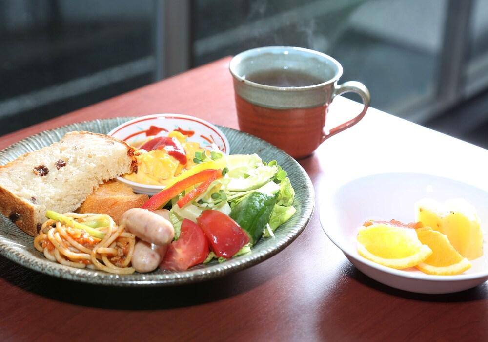 Daiwa Roynet Hotel Osaka Kitahama | Qantas Hotels Australia