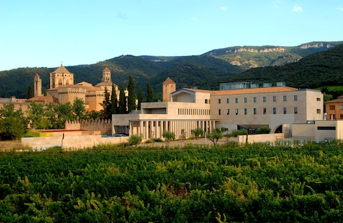 __{offers.Best_flights}__ Hostatgeria De Poblet