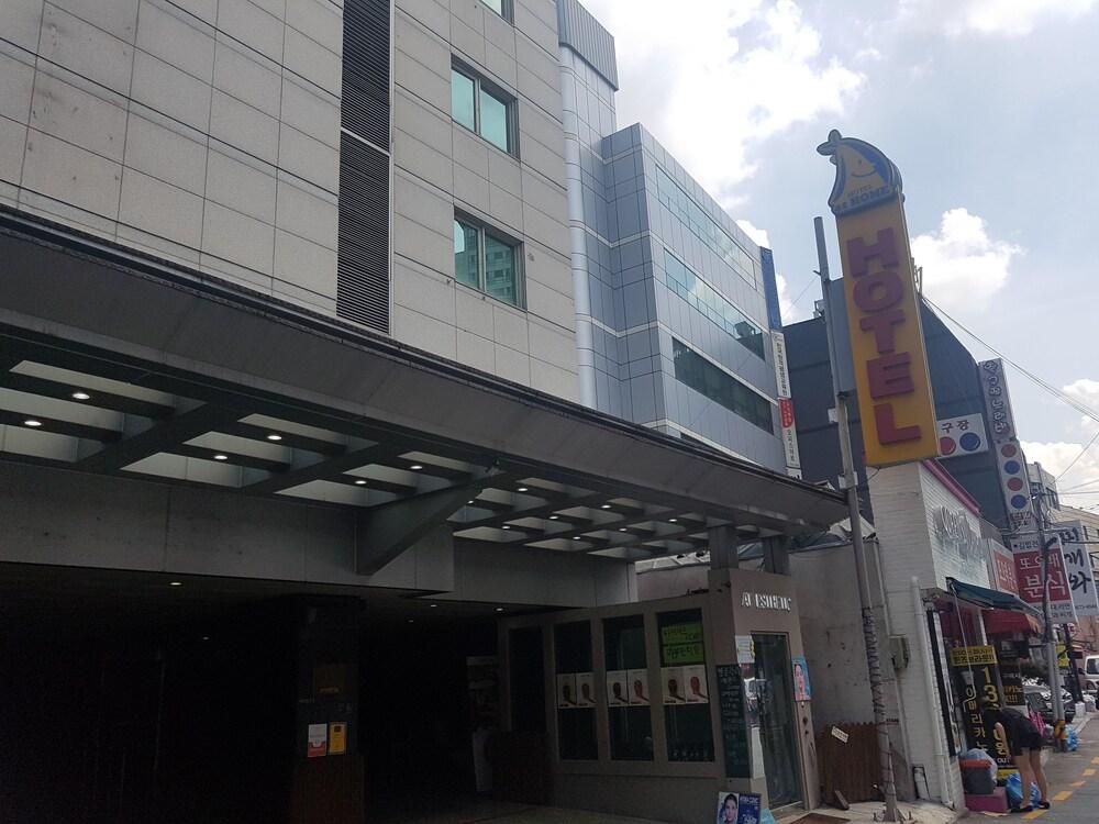 ホテル アット ホーム