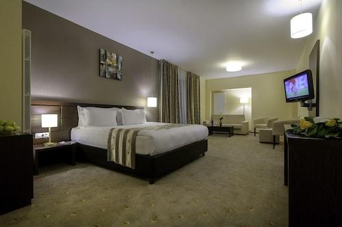 . Golden Time Hotel