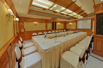 Hotel - Raj Palace