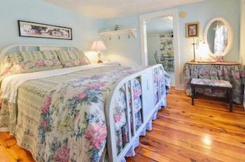 Room, Private Bathroom (Glyn and Kiddie Suite)