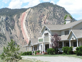 Hotel - Yellowstone Basin Inn