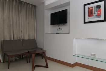 Wellcome Hotel Cebu Living Area