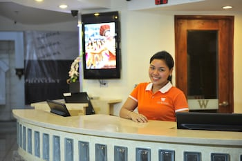Wellcome Hotel Cebu Reception