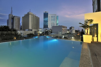 Wellcome Hotel Cebu Rooftop Pool