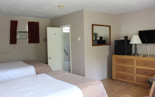 Colonial Resort & Spa, Leeds and Grenville