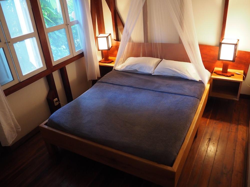 https://i.travelapi.com/hotels/7000000/6100000/6098500/6098415/2eddb802_z.jpg