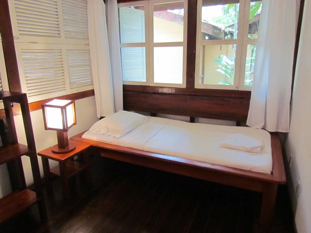 https://i.travelapi.com/hotels/7000000/6100000/6098500/6098415/57c214fc_z.jpg
