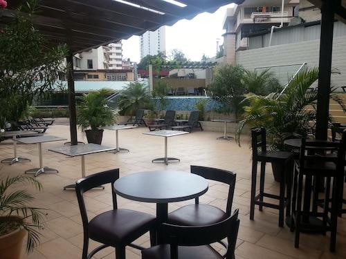 Grand International Hotel, Panamá