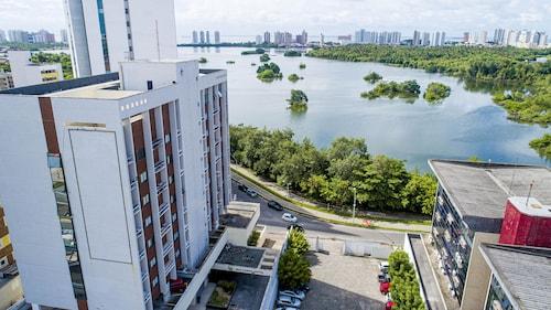 . SLZ Lagoa Hotel