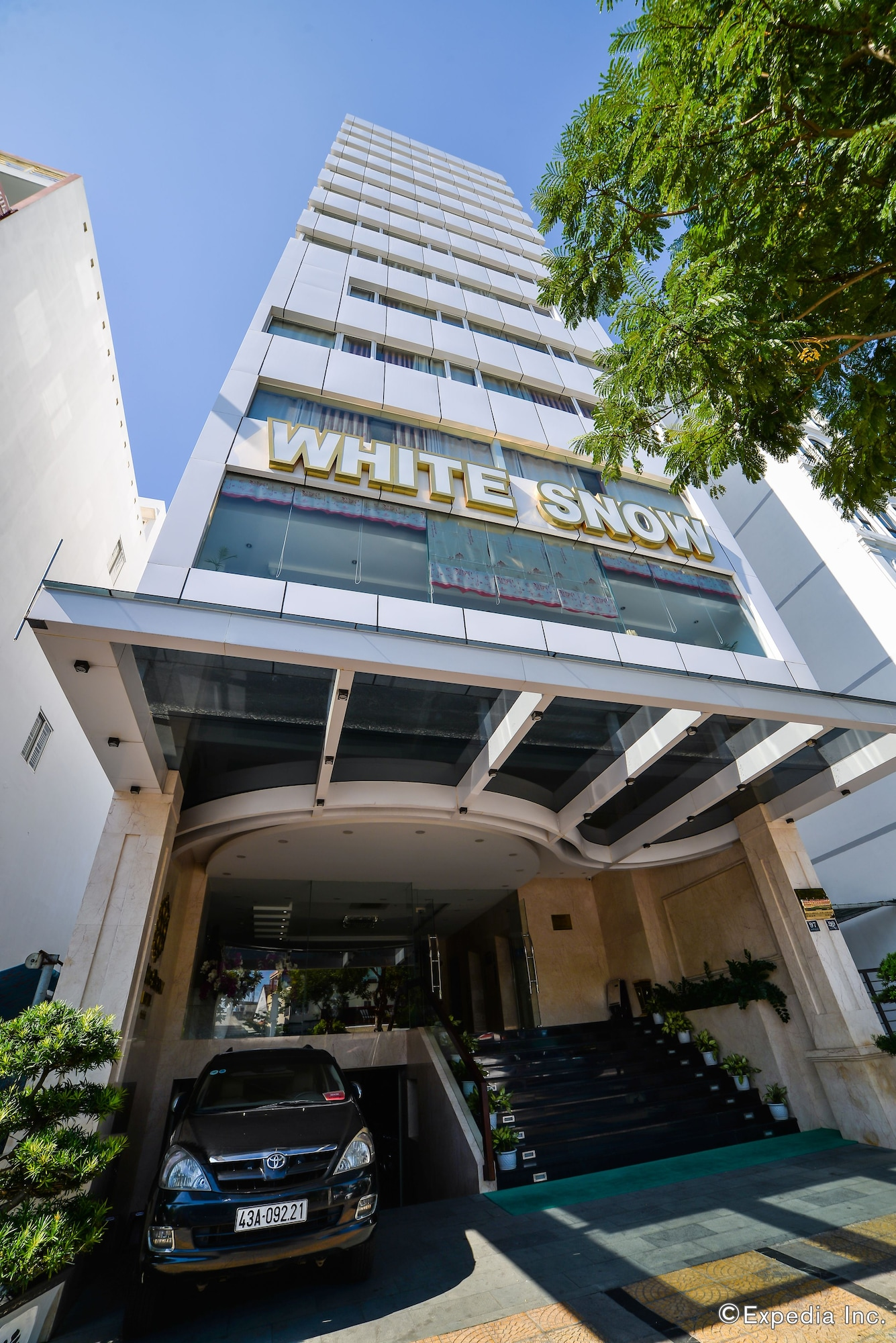 White Snow Hotel, Hải Châu
