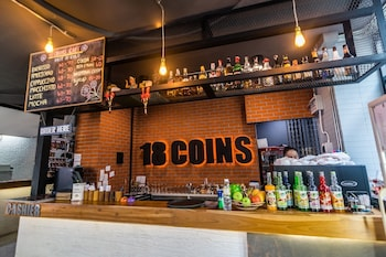 18 Coins Hotel