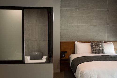 King and Queen Hotel Suites, New Plymouth