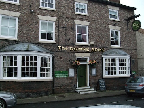 . The Downe Arms
