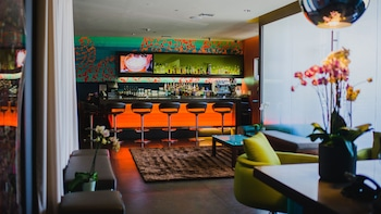 Hotel - SIRTAJ - Beverly Hills