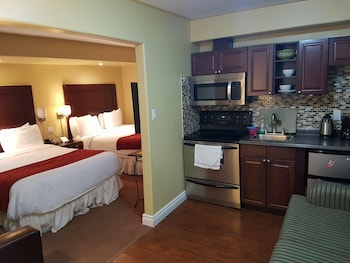 Junior Suite with Balcony, Lake View