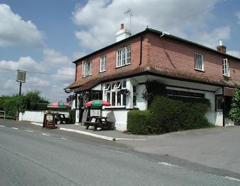 Hotel - The Mucky Duck Inn