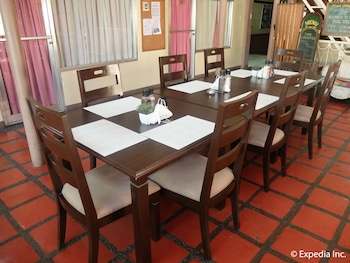 Orchid Inn Resort Pampanga Dining