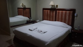 Wild Orchid Resort Subic Room