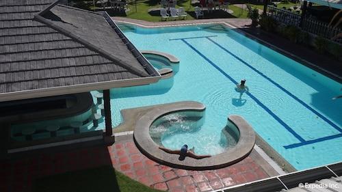 Wild Orchid Resort, Mabalacat