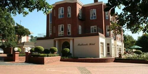 . Redlands Hotel