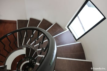 Hampstead Boutique Hotel Boracay - Staircase  - #0