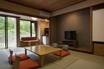 遊楽館 和室 2食付(夕食:ブッフェ)喫煙可|鬼怒川温泉ホテル