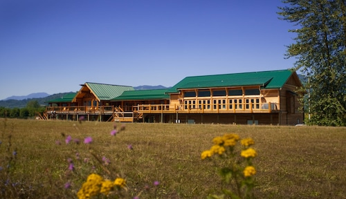 . Fraser River Lodge