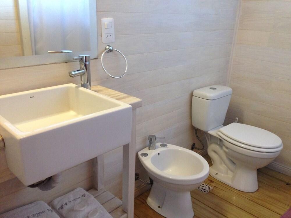 https://i.travelapi.com/hotels/7000000/6140000/6133900/6133830/229d35be_z.jpg