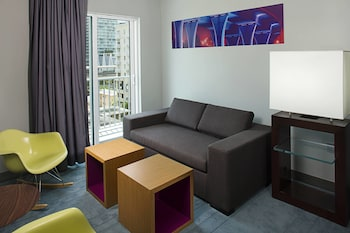 Suite, 1 King Bed, Balcony, City View