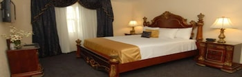 Standard Room, 1 King Bed with Sofa bed, Non Smoking (with Sofabed)