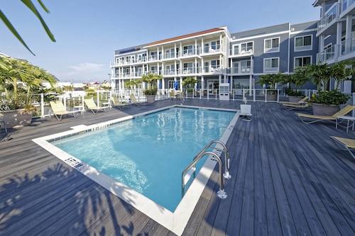 . Fairfield Inn & Suites by Marriott Chincoteague Island Waterfront